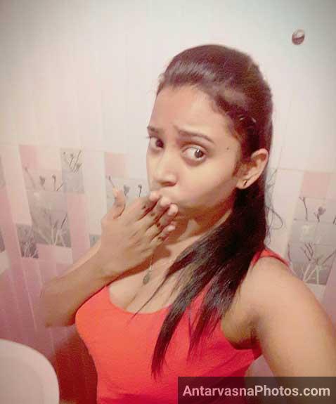 Aunty ne lover ko flying kisses bheji