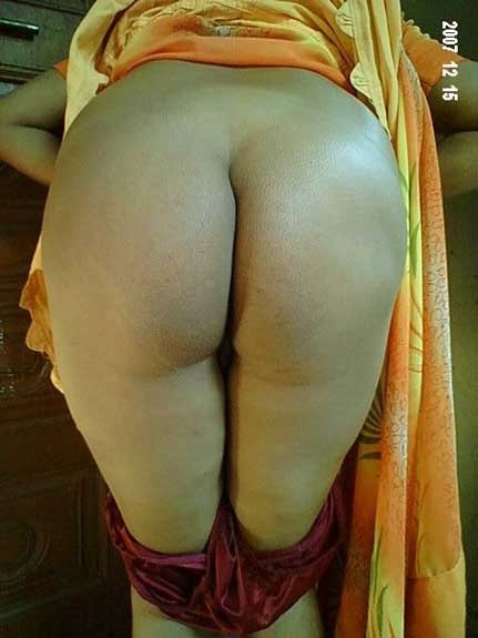 Big desi ass wali sexy bhabhi ke amateur photo