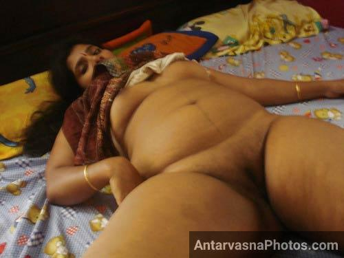 Big boobs mallu aunty ne apni chut kholi paise ke lie