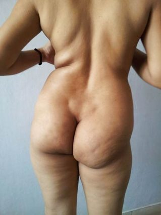 Sexy figure wali Punjaban aunty ke hot pics