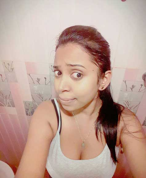 Jyoti aunty ka sexy deep cleavage