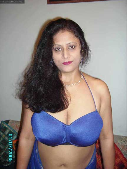Desi woman ke big Indian boobs ke pics