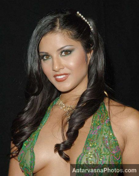 Horny Sunny leone hd pics - Full makeup wala photo