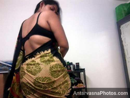 Desi boobs dikhane se pahle mausi ne apni saree me latke zatke dikhaye