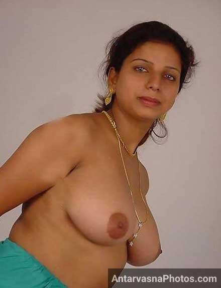 Neeli aankho wali rajasthani bhabhi ke hot pics