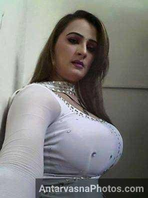 Pakistani sexy aunties photos