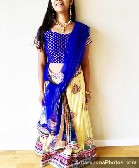 Sexy Gujarati sali Reetu jija ke samne dandiya ke dress me - Indian striptease pics