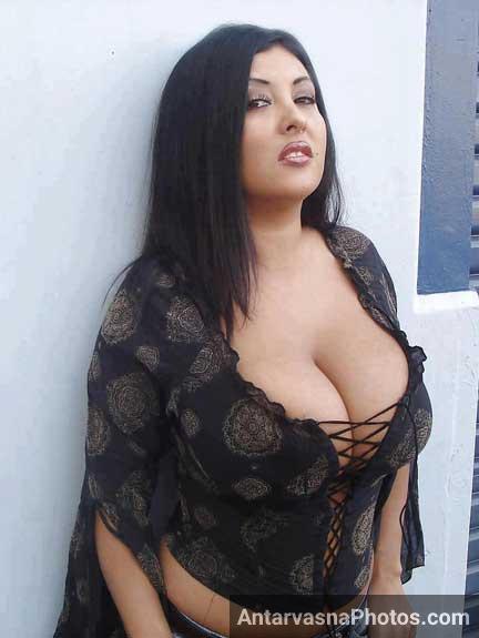 Mumbai ki aunty Sharda ke huge tits