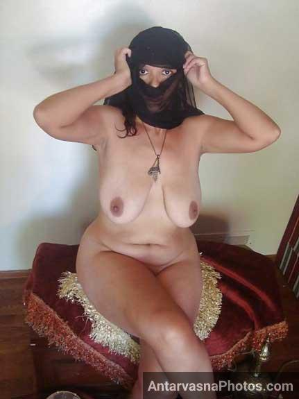 Bade boobs wali chudasi muslim aunty ke xxx pics