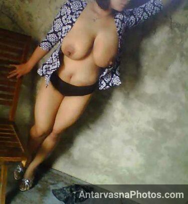 Chduasi Punjabi bhabhi Richa ke hot boobs - NRI sex photos