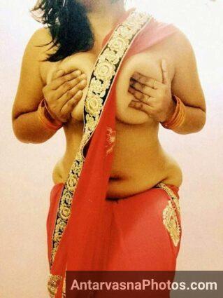 Sexy aunty boobs ko hila ke lund ko khada karne me kamiyab hi rahi thi