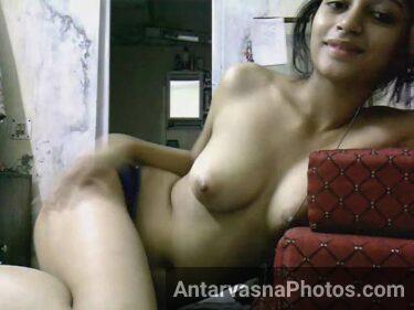 Bade boobs wali Indian sexy girl ke nude pics