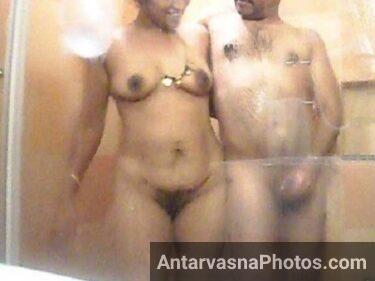 Bathroom me nude mallu aunty aur uske partner ka romance - Desi pics