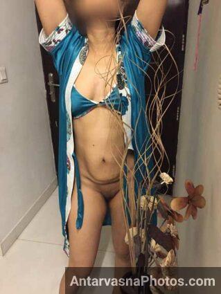 Bhabhi ki nangi chut dekhi to lund khada ho gaya mera - Indian sex pics