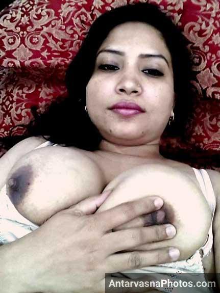 Big boobs wali randi aunty ke pics