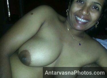 Big boobs wali sexy Indian maid Neha ke pics