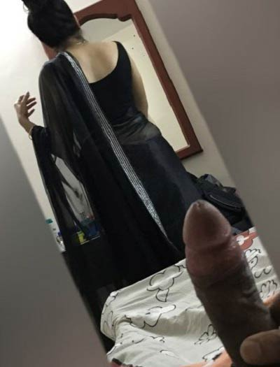 Sexy aurat ki gaand dekh ke black lund khada ho gaya