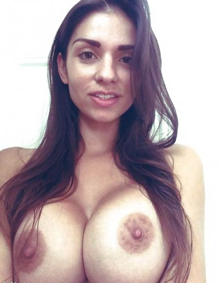 super sexy indian girl ne liye apne huge boobs ke nude pics