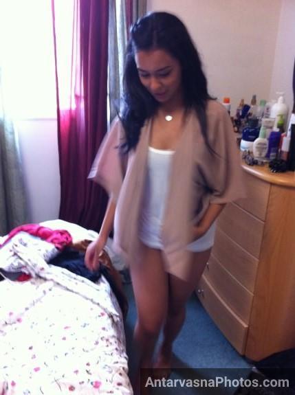 cite indian girl ne utari apni jeans aur hui nangi