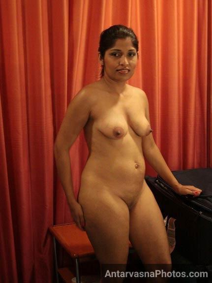 Madhwi aunty ki hot chut ke pics - Old aunty xxx sex pics