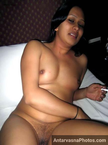 desi indian bhabhi ki nangi chut aur mast nude boobs ki pic