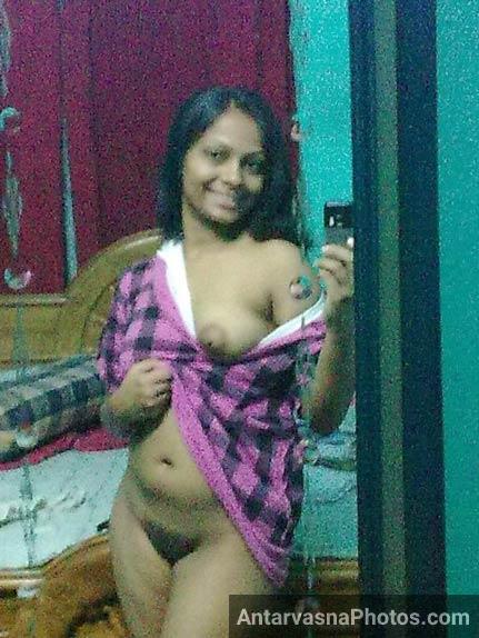 desi village girl nangi chut aur boobs dikha rahi apne lover ko nude selfie pics mei