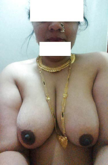 Chudasi Indian aunty apne pati ke samne nude hui - Sex sagar pics