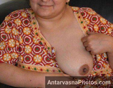Sex y aunty ne boobs nighty se bahar nikale - Indian aunty night pics