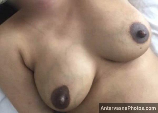 Big boobs wali hot aunty Poonam ke pics