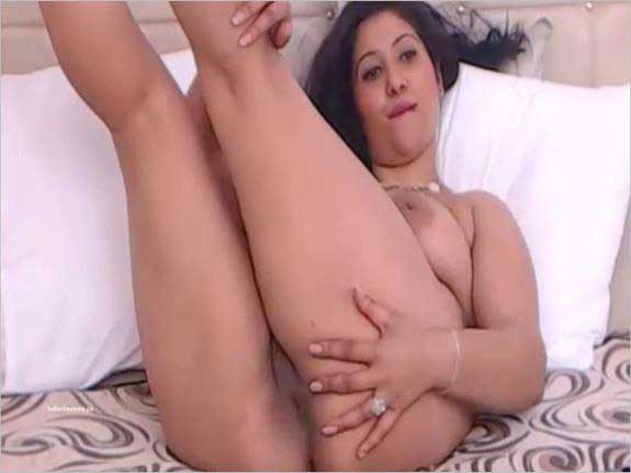 indian sexy girl fudi dikha rahi he