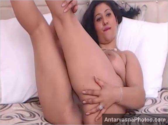 indian sexy girl fudi dikha rahi he