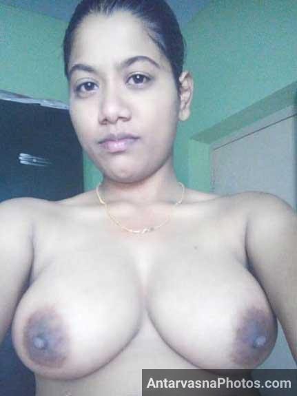 Desi mallu aunty big boobs ki sexy selfies