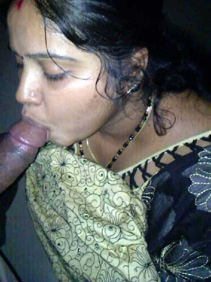 Indian aunty blowjob