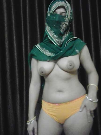 Sexy randi ke big boobs wale hot pics