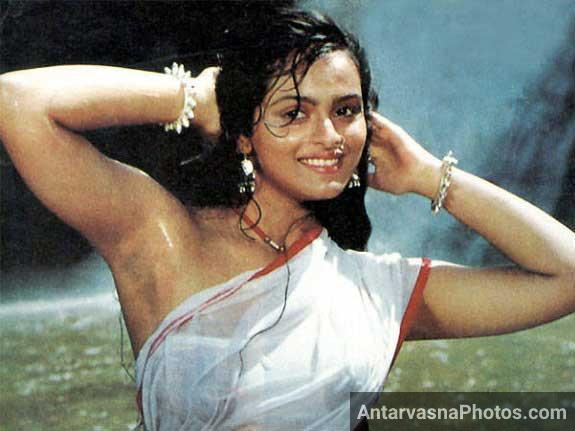 Shilpa shirodkar sexy saree photo