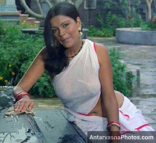 Zeenat aman satyam shiwam sundaram sexy wet saree pic