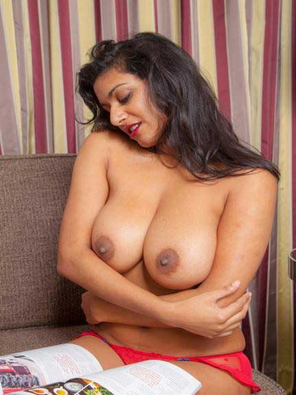 Indian girl bade mumme sexy chuchiya he