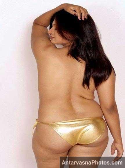 Bhabhi Panty me hiude gaand aur bhi hot kar rahi he