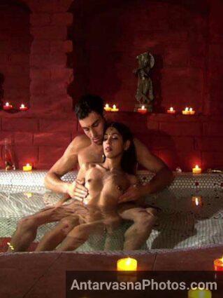 Sexy chuchiya par Indian massage ho raha he