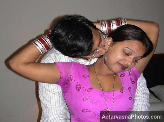 Indian couple hot mood me dikhai de raha he