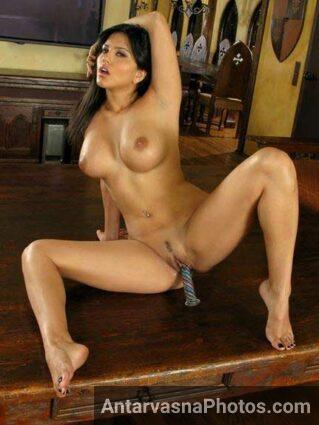 Indian girl Sunny Lenoy dildo enjoy kar rahi he