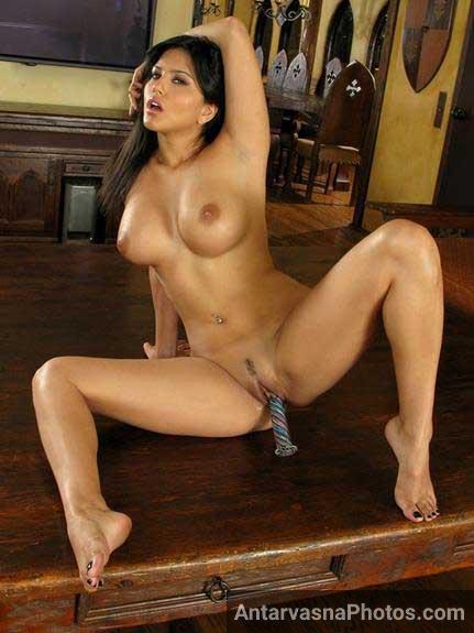 Indian girl Sunny Lenoy dildo enjoy kar rahi he