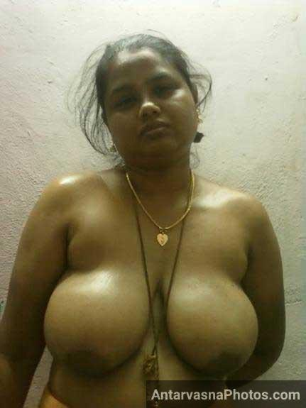 Big Indian boobs perfect lag rahe he
