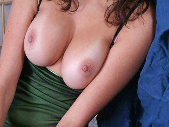 Boobs ka phot aap ko hot kar de ga