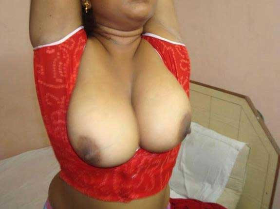 Indian village aunty ke desi boobs ki pic