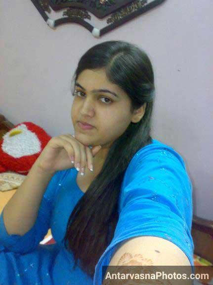 Rehana ki hot stylish selfie