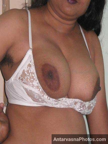 Mallu bhabhi ki jhaantwali armpit