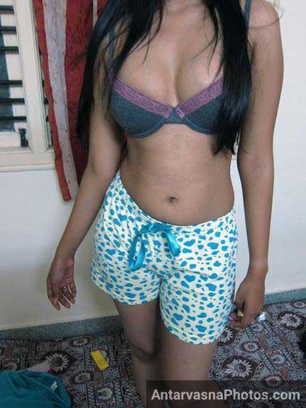 young indian girl ke sexy boobs ka photo