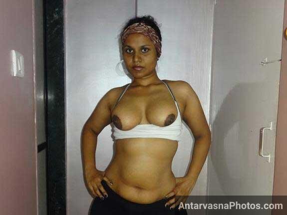 Indian pornstar Lily ki hot excercise ka pose