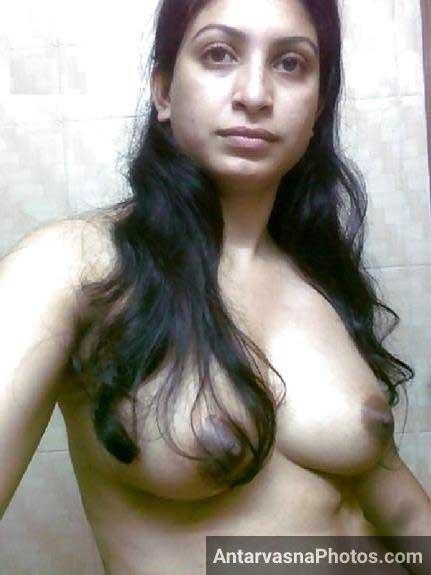 Indian babe ki nude selfie